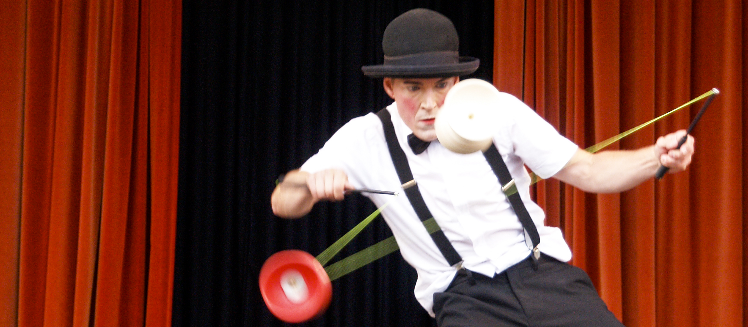 Juggling and mime show 5