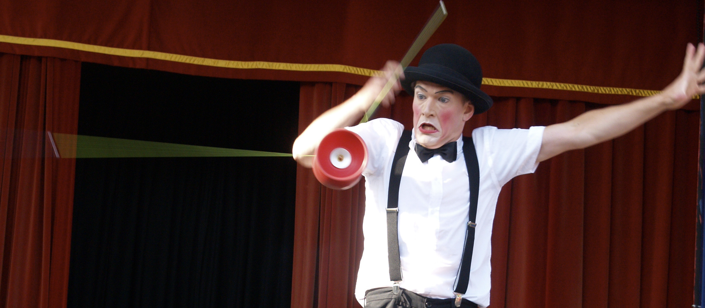 Juggling and mime show 1